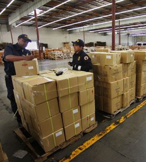 FDA import inspection site in Los Angeles; photo by Kyle Bruggeman/News21